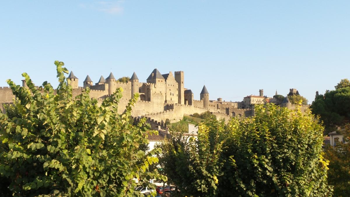 Carcassonne, ville haute, villebasse