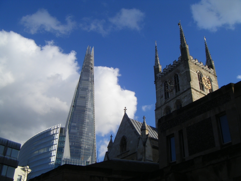 Southward cathedral, au pied de The Shard