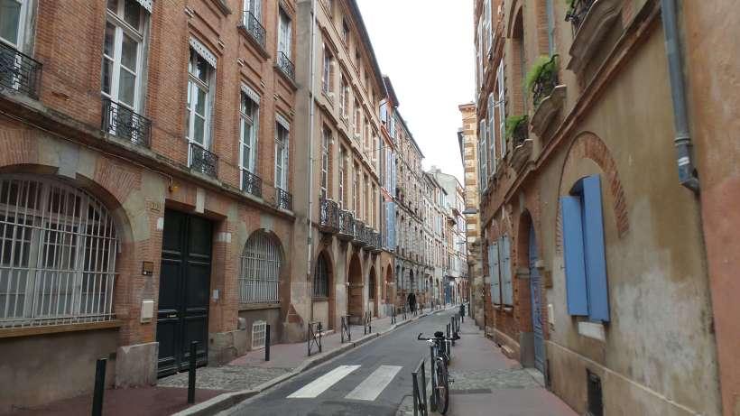 Le Charme Du Quartier Des Carmes  U2013 Mordue De Voyages