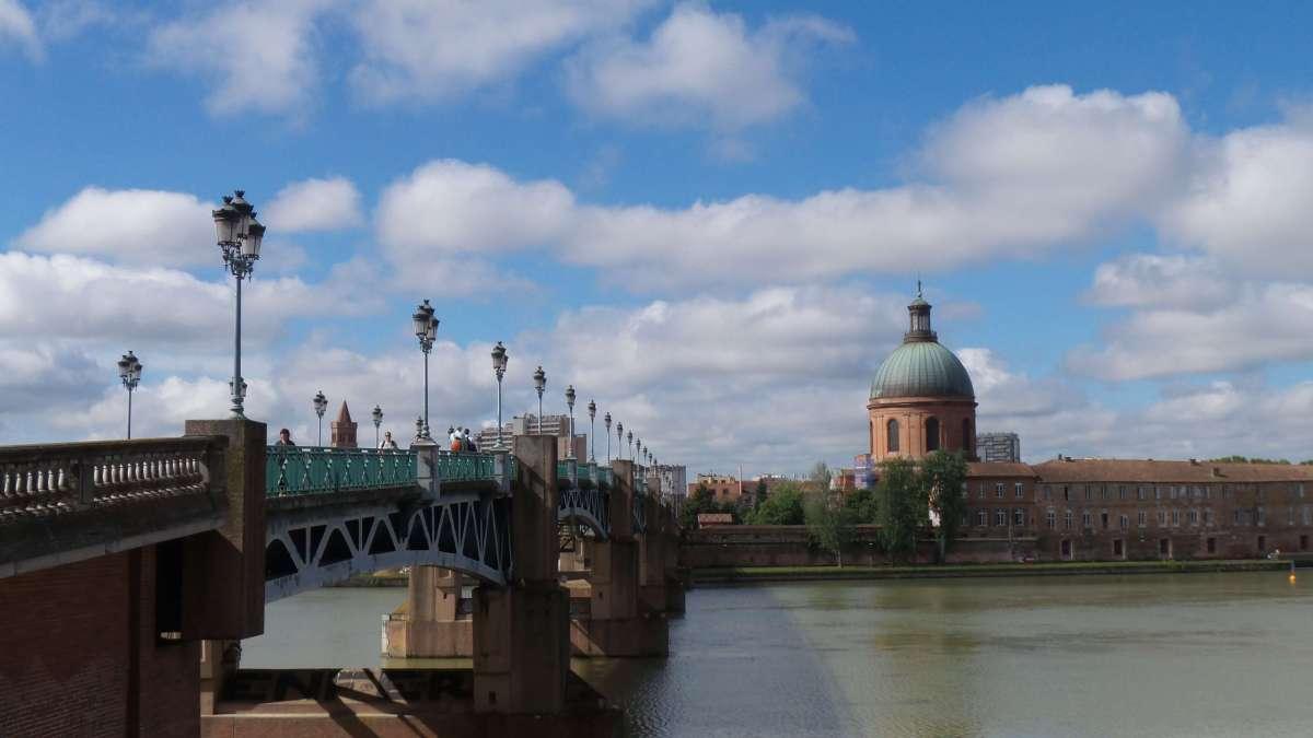 Toulouse et ses ponts: au fil de laGaronne